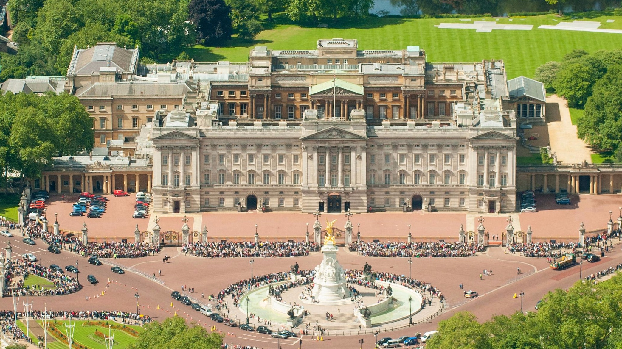 buckingham palace district six character analysis Buckingham palace: district 6 we will write a custom essay sample on when the characters of district 6 are analysed superficially they are not admirable mary is a prostitute zoot has a criminal record and beats people up.