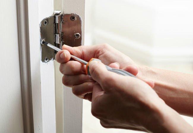Замена замка в квартире